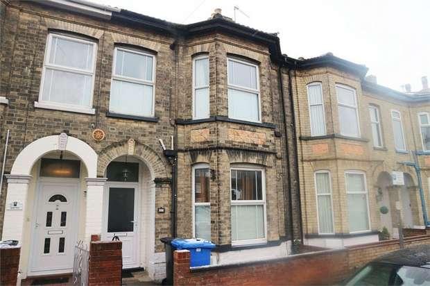 3 Bedrooms Terraced House for sale in Regent Road, Lowestoft, Suffolk