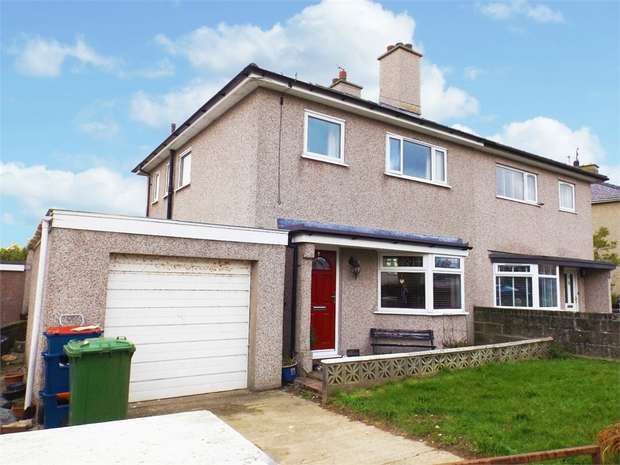 3 Bedrooms Semi Detached House for sale in Llanfawr Road, Holyhead, Anglesey