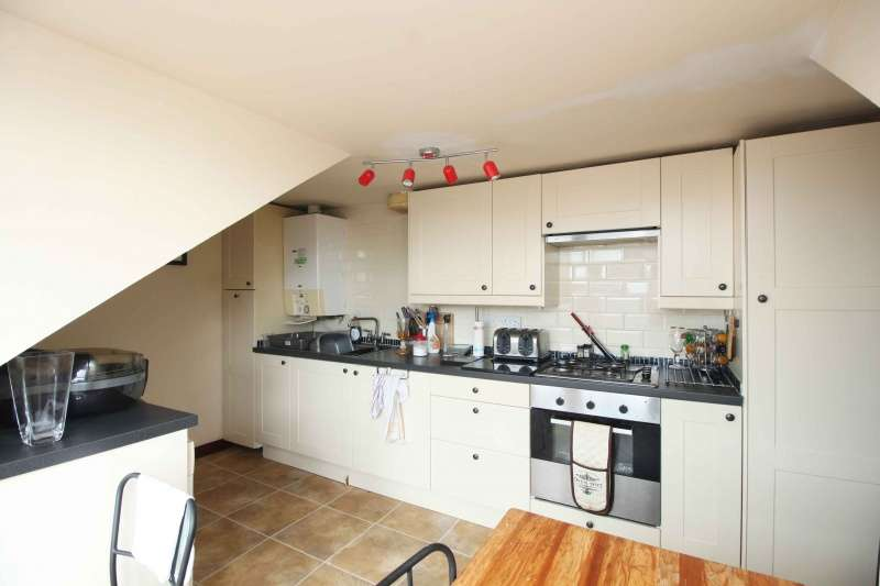2 Bedrooms Flat for sale in Main Street, Stenhousemuir, Larbert, FK5 3JP