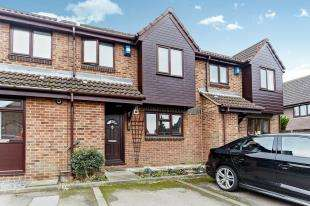 2 Bedrooms Terraced House for sale in Flag Close, Shirley, Croydon