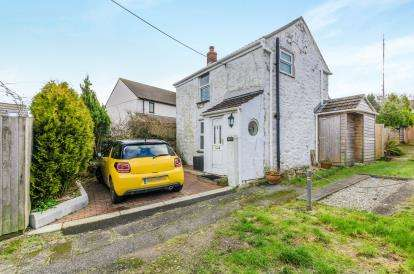 1 Bedroom Detached House for sale in Carnkie, Redruth, Cornwall