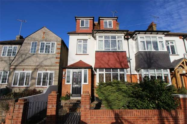 5 Bedrooms Semi Detached House for sale in 109 Bonchurch Avenue, LEIGH-ON-SEA, Essex