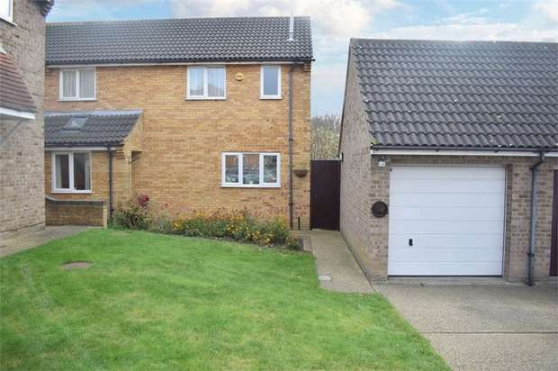 5 Bedrooms Detached House for sale in Heybridge Drive, Wickford, Essex