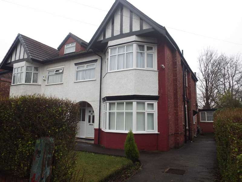 5 Bedrooms Semi Detached House for sale in Brantwood Road, Salford