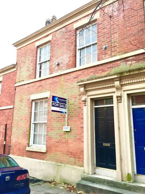 5 Bedrooms Terraced House for sale in Frenchwood Street, Preston, PR1