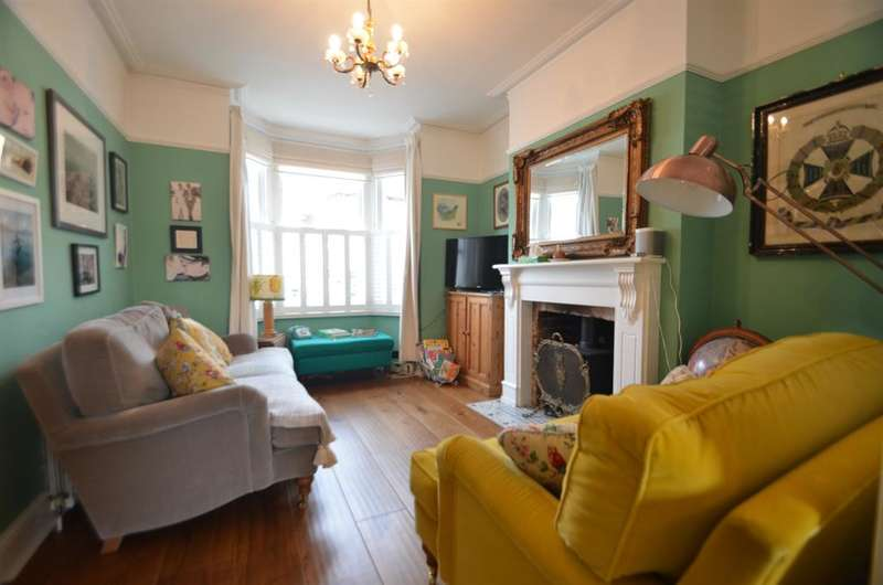 5 Bedrooms Terraced House for rent in Alexandria Road, Ealing, W13 0NR
