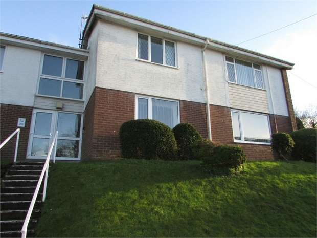 2 Bedrooms Flat for sale in Gnoll View, Neath, West Glamorgan