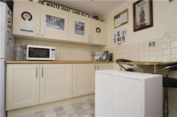 2 Bedrooms Terraced House for sale in Lindsay Drive, ABINGDON, Oxfordshire, OX14 2RT
