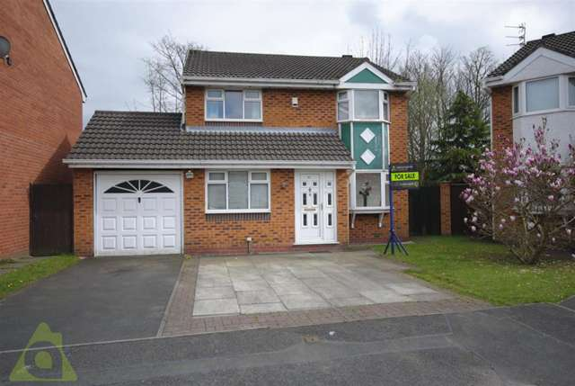 3 Bedrooms Detached House for sale in Perth Avenue, Ince, Wigan WN2