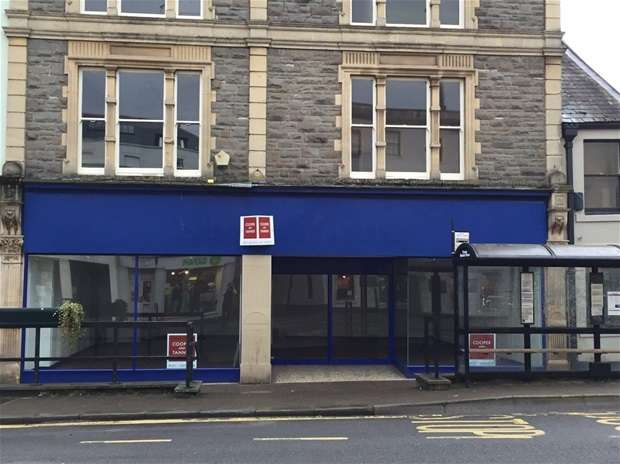 Shop Commercial for rent in Market Place