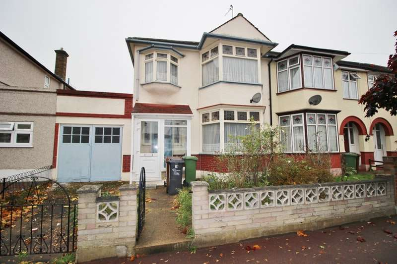 3 Bedrooms End Of Terrace House for sale in Melford Avenue, Barking, IG11