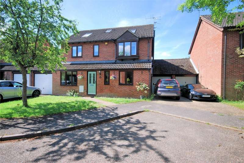 6 Bedrooms Detached House for sale in Wheelwrights, Weston Turville, Aylesbury, HP22