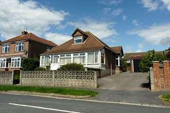 3 Bedrooms Chalet House for sale in Solent Road, Drayton, Portsmouth