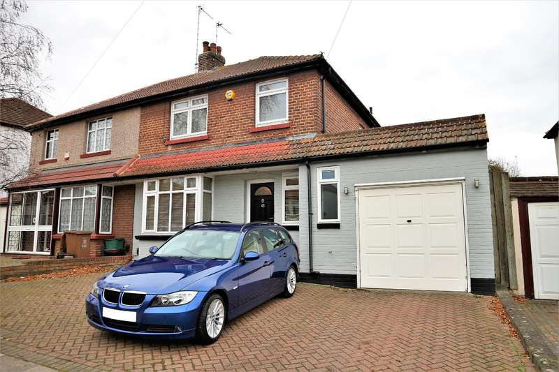 3 Bedrooms Semi Detached House for sale in Manor Way, Barnehurst, Kent, DA7 6JW