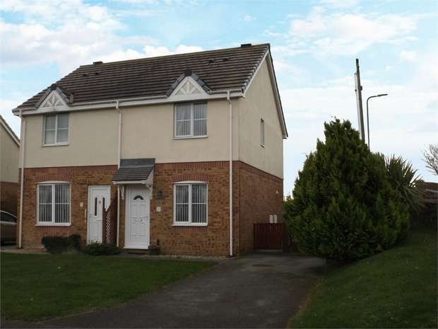 2 Bedrooms Semi Detached House for sale in Garth Y Felin, Valley, Holyhead, Anglesey