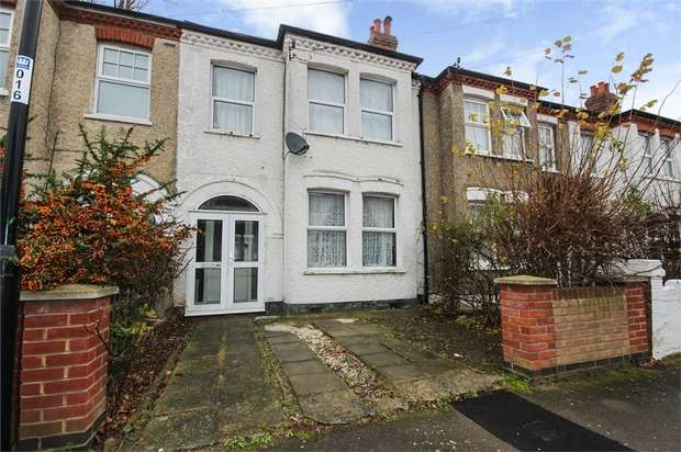 3 Bedrooms Terraced House for sale in Vancouver Road, London