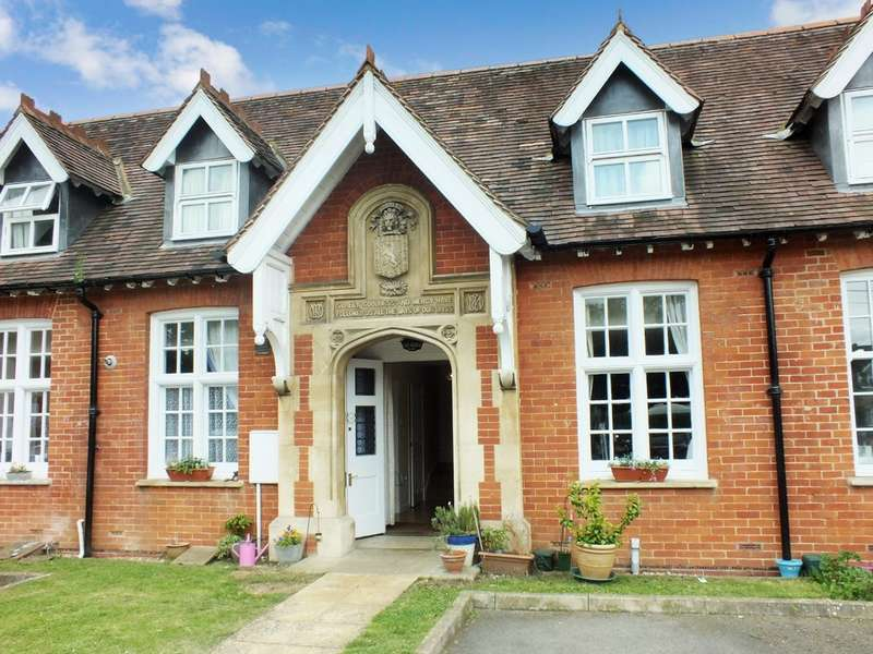 3 Bedrooms Maisonette Flat for sale in Faringdon