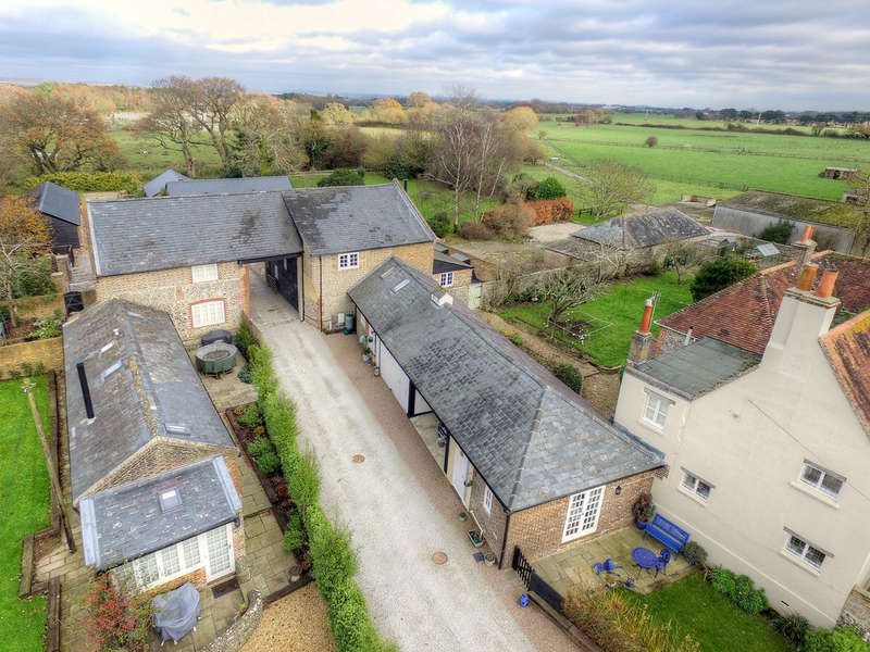 5 Bedrooms Unique Property for sale in Bilsham Road, Yapton