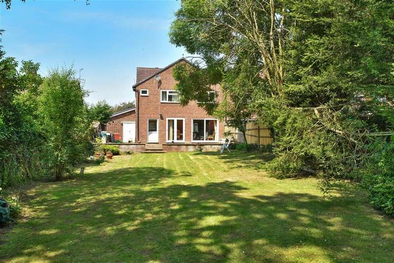 4 Bedrooms Semi Detached House for sale in Westmead Drive, , Salfords, Surrey