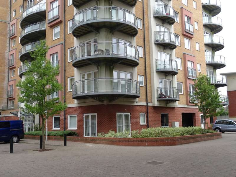 1 Bedroom Apartment Flat for sale in Winterthur Way, Town Centre
