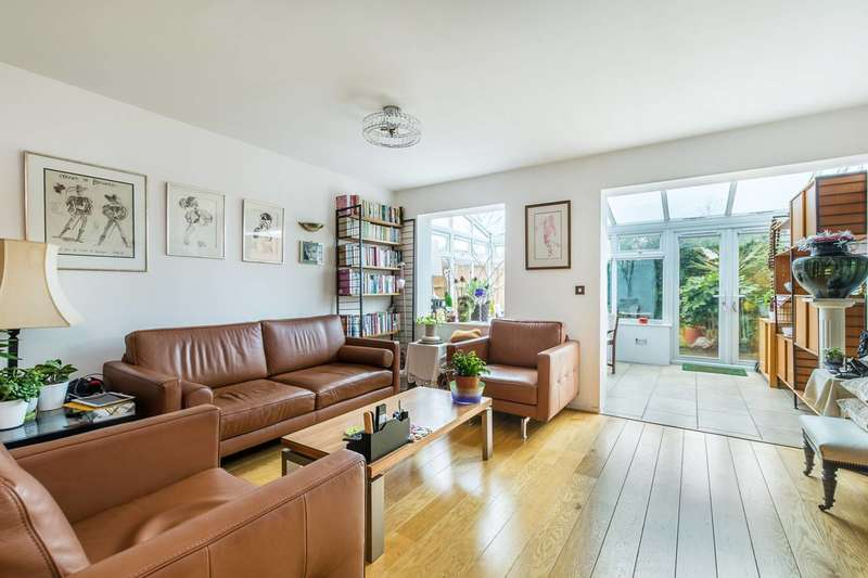 2 Bedrooms House for sale in Elvedon Road, Feltham, TW13