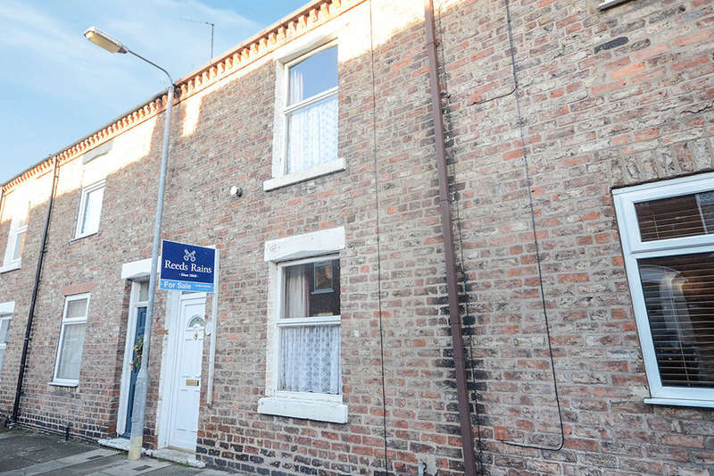 2 Bedrooms Terraced House for sale in Frances Street, YORK, YO10