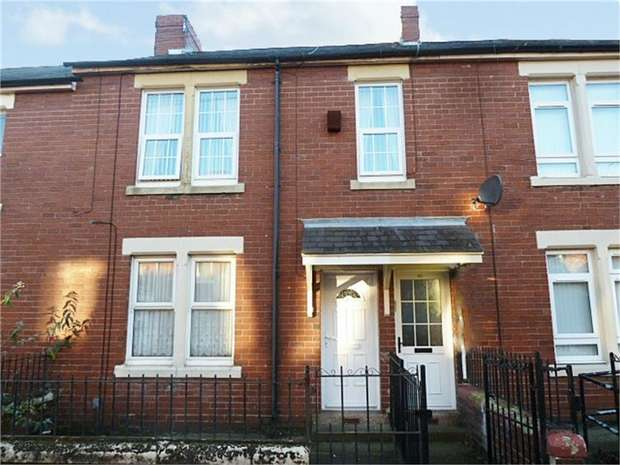 3 Bedrooms Flat for sale in Coach Road, Wallsend, Tyne and Wear