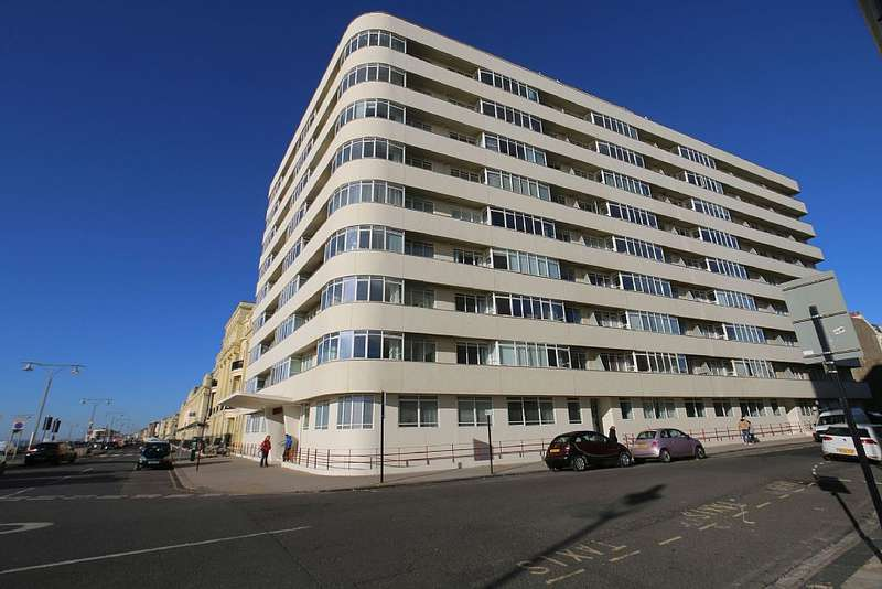 3 Bedrooms Apartment Flat for sale in Embassy Court, Kings Road, Brighton, East Sussex, BN1 2PX