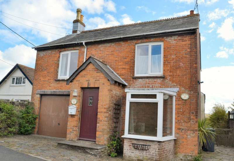 6 Bedrooms Detached House for sale in Newport Road, Niton