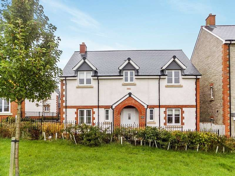 4 Bedrooms Detached House for sale in Lon Yr Ardd , Coity, Bridgend. CF35 6EZ