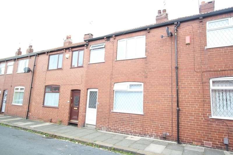 3 Bedrooms Terraced House for sale in Dawlish Avenue, Leeds, LS9