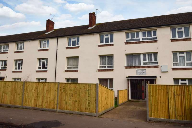 2 Bedrooms Flat for sale in Derwent Drive, Near Burnham, Slough, SL1
