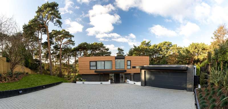 4 Bedrooms Detached House for sale in Imbrecourt, Canford Cliffs, Poole, Dorset, BH13