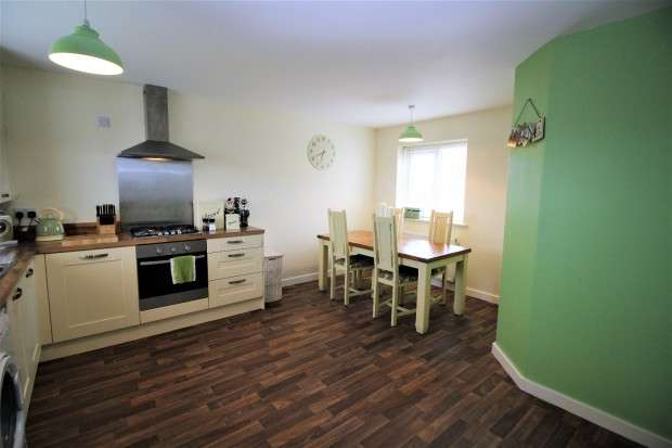 3 Bedrooms Detached House for sale in Housman Close, Blackpool, FY2