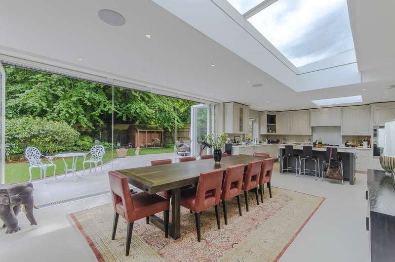 5 Bedrooms Detached House for rent in York Avenue, East Sheen, SW14