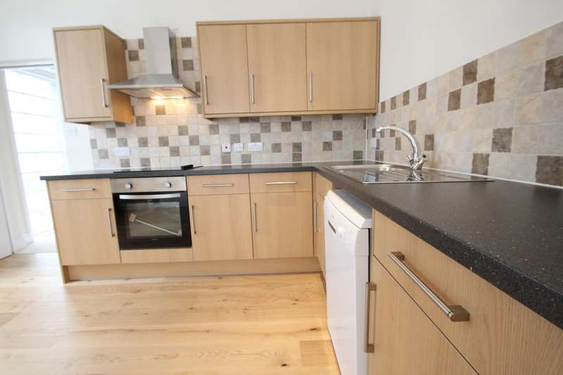2 Bedrooms Maisonette Flat for rent in High Street, Dorking