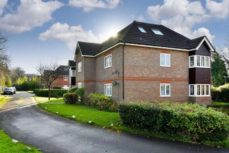 2 Bedrooms Apartment Flat for rent in Corner Farm Close, Tadworth