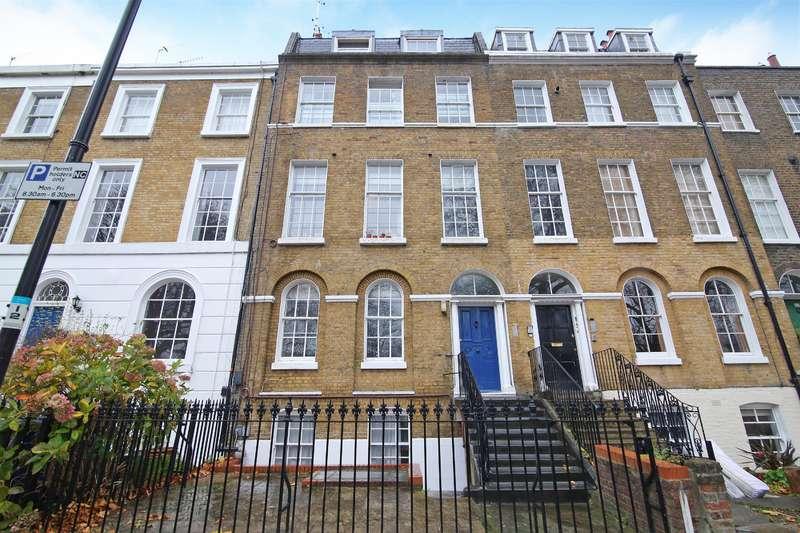 1 Bedroom Flat for sale in Addington Square, London, SE5 7LB