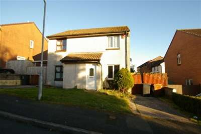 2 Bedrooms Terraced House for rent in The Heathers, Woolwell, PL6