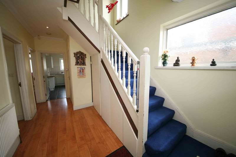 6 Bedrooms Semi Detached House for sale in East Lane, Wembley, Middlesex, HA0