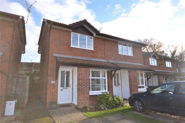 2 Bedrooms Semi Detached House for sale in Catkin Close, Chineham, Basingstoke