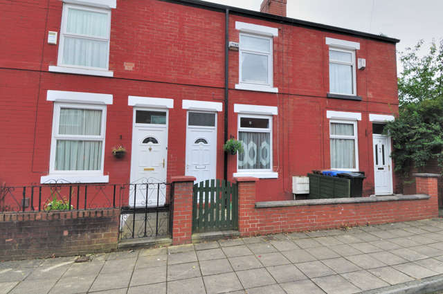 2 Bedrooms Terraced House for rent in River Street, Portwood, Stockport, Cheshire, SK1 2QL
