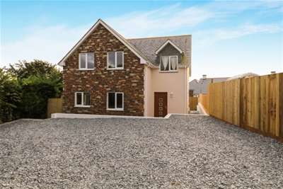 4 Bedrooms House for rent in Bodiniel Road, Bodmin