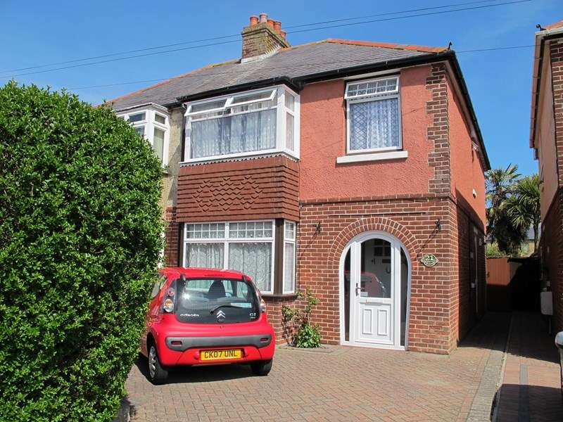 3 Bedrooms Semi Detached House for rent in Elmore Avenue, Lee-On-The-Solent
