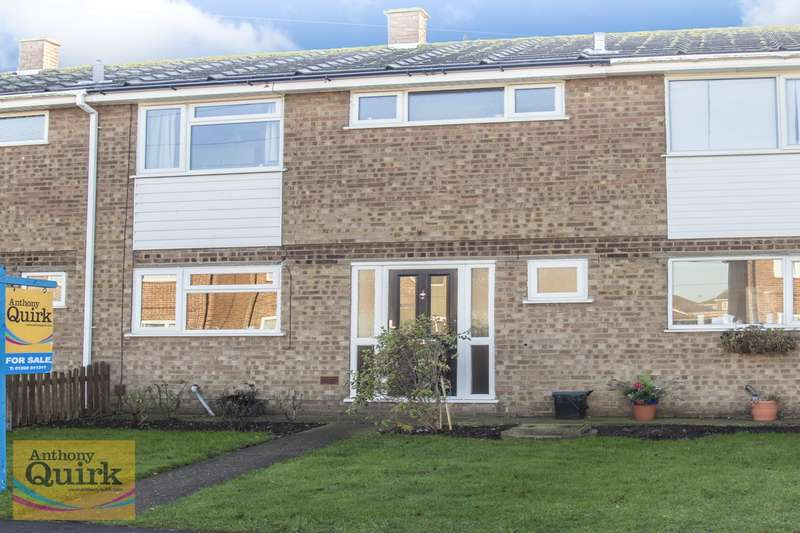 3 Bedrooms Terraced House for sale in Link Road, Canvey Island, SS8