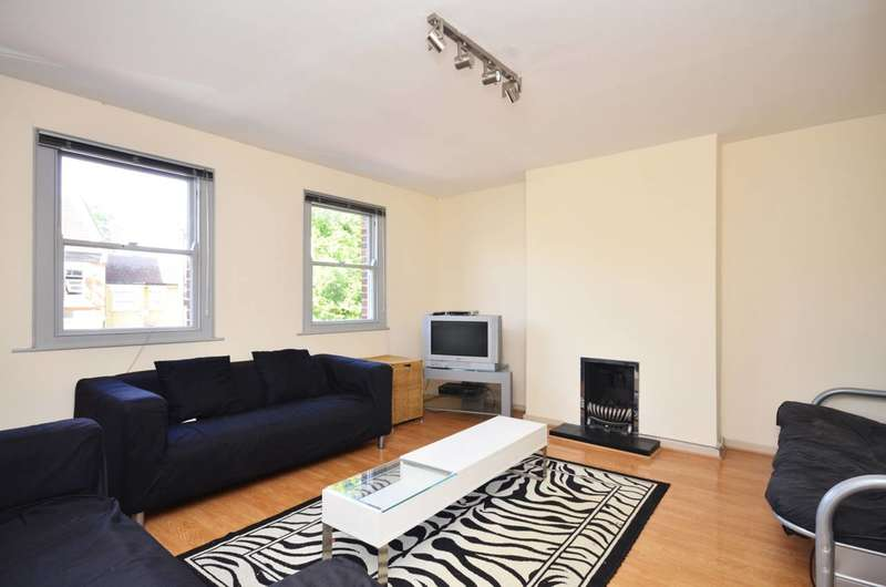 3 Bedrooms Flat for rent in Carnavon Road, Stratford, E15
