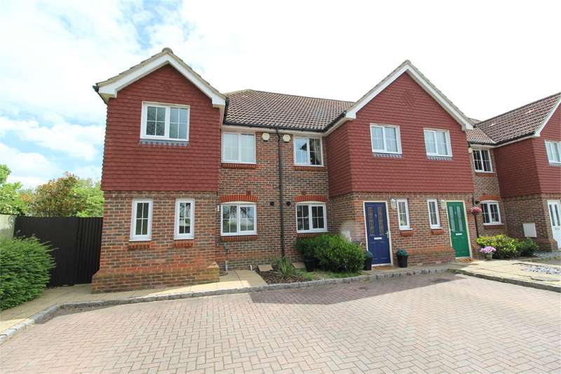 3 Bedrooms End Of Terrace House for sale in Kingswood Close, Ashford, TW15