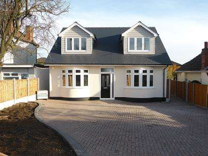 5 Bedrooms Detached House for sale in Benfleet, Essex, .