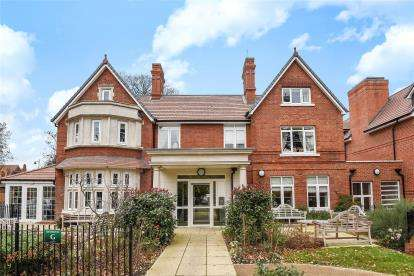 1 Bedroom Flat for sale in Faulkner House, St. Pauls Cray Road, Chislehurst