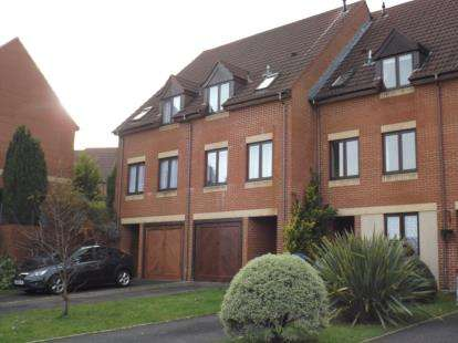 3 Bedrooms Terraced House for sale in Parkstone, Poole